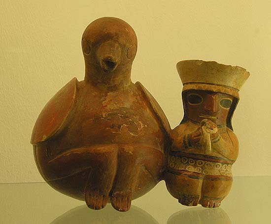Berlin, Dahlem Museum, Mesoamerican ceramics: a big bird with an Indian