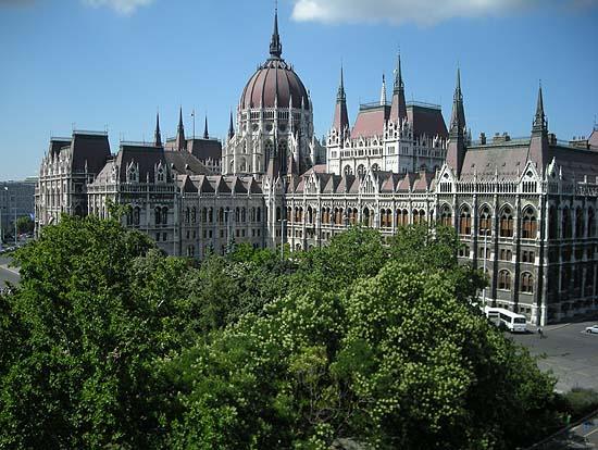Budapest, Kossuth Square