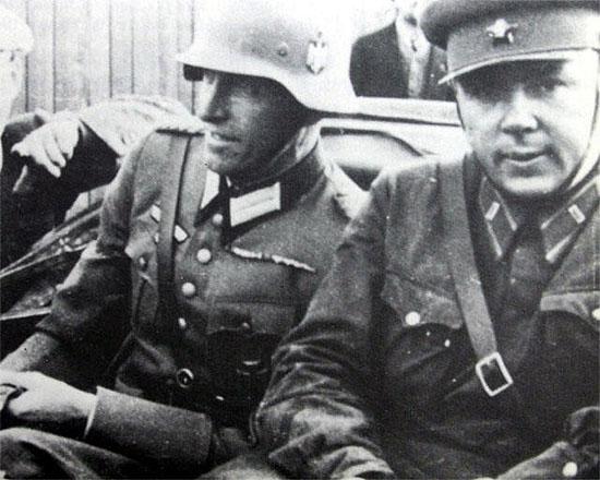[Слика: brest-1939-german-soviet-fraternizing-08-550.jpg]