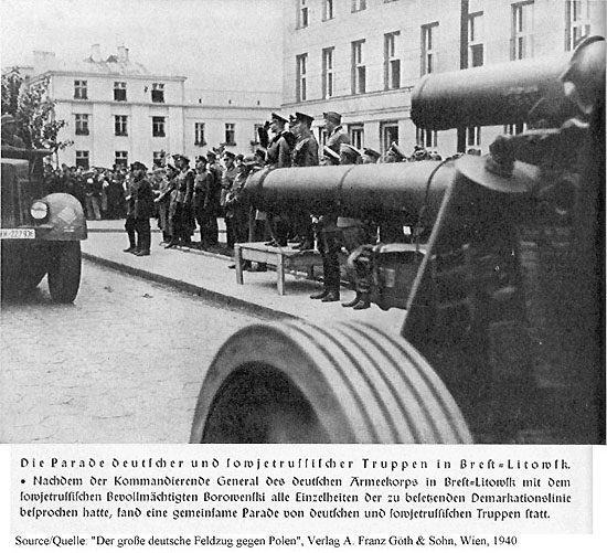 [Слика: brest-1939-parade-published-picture-1940-550.jpg]