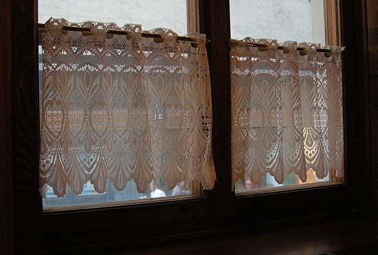 Brno, Restaurant Švejk, curtain