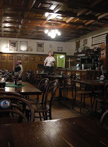 Brno, Švejk étterem, söröző belseje