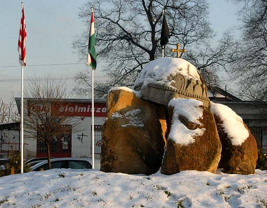 Statue of the Holy Crown of Hungary in front of the Dunakeszi railway station