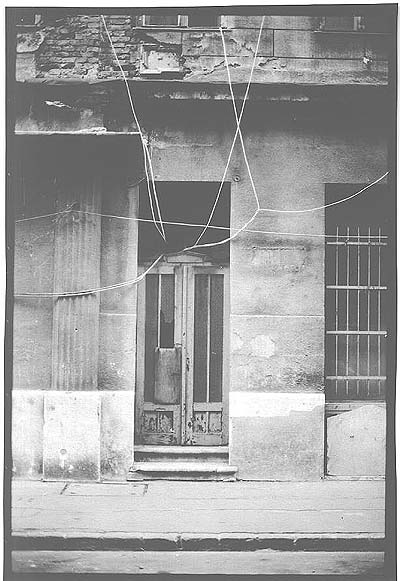 Endre Lábass, Caprichos 1 (in: Budapesti Negyed 1993/2 (http://www.epa.oszk.hu/00000/00003/00002/labass-k.htm)