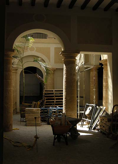 Palma de Mallorca, patio (inner courtyard)